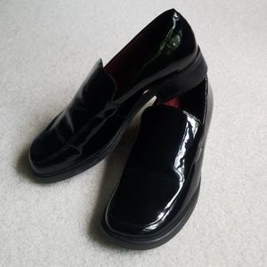 Shiny black patent loafers! Like new!
